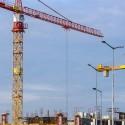 plac-budowy-dzwigi-zurawie