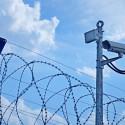 ogrodzenie-wojskowe-drut-kolczasty-kamery